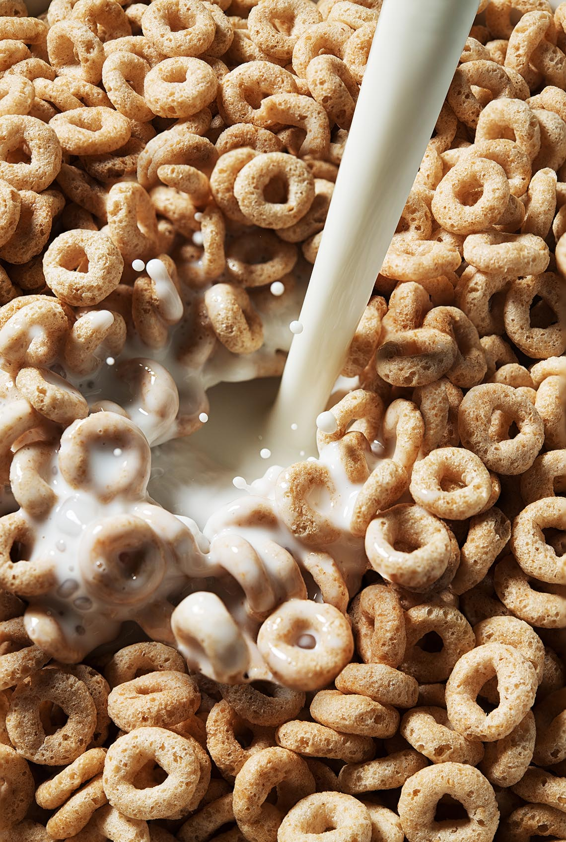 New-york-food-studio-cereal-pour