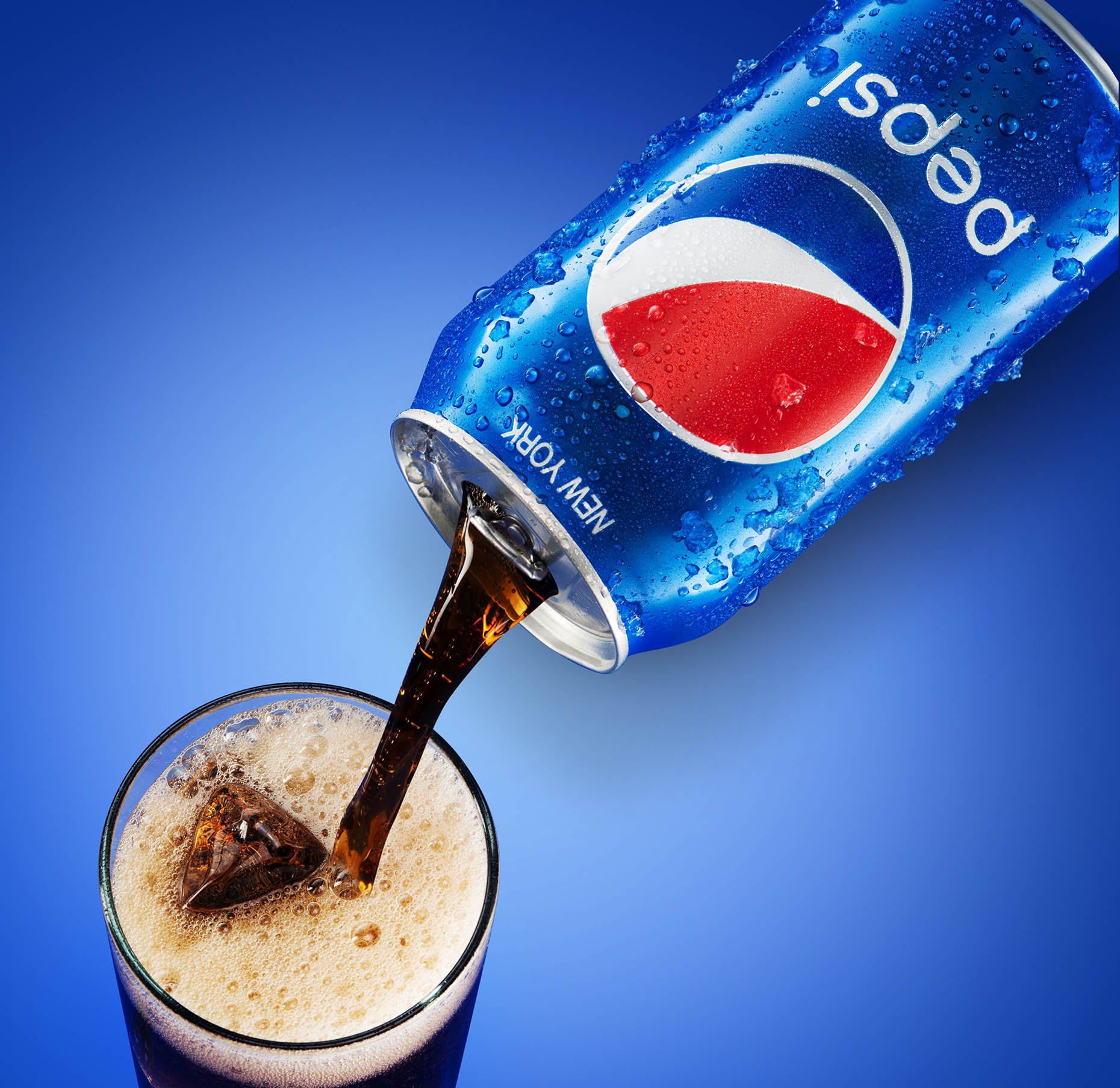 New-york-liquid-phtography-beverage-photography-new-york-pepsi-pours