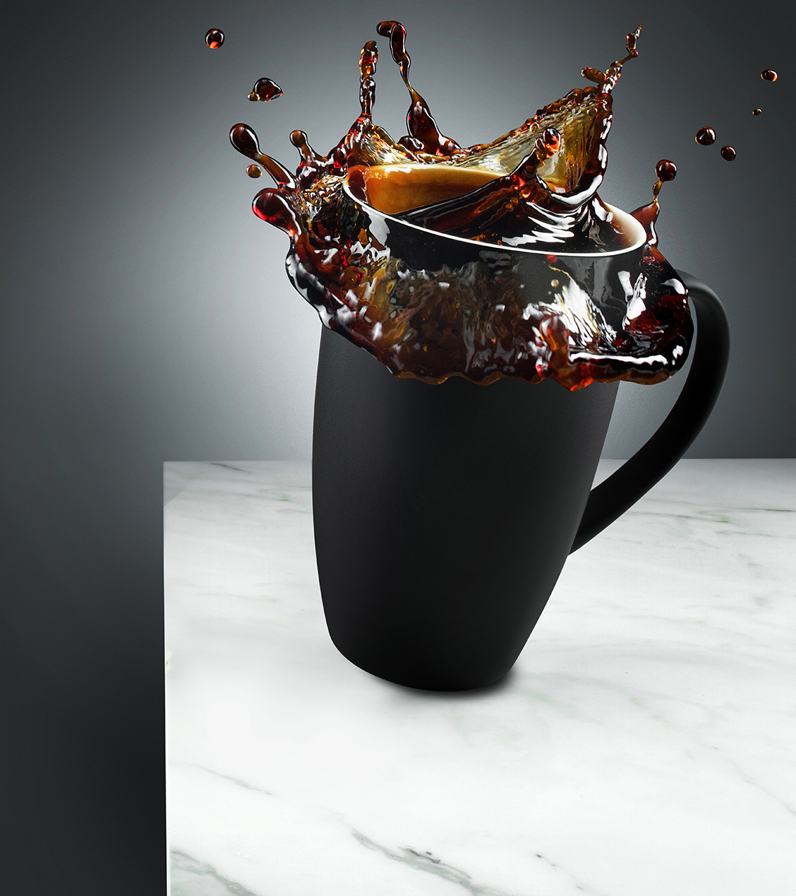New-york-still-life-beverage-photographer-coffe-splashes